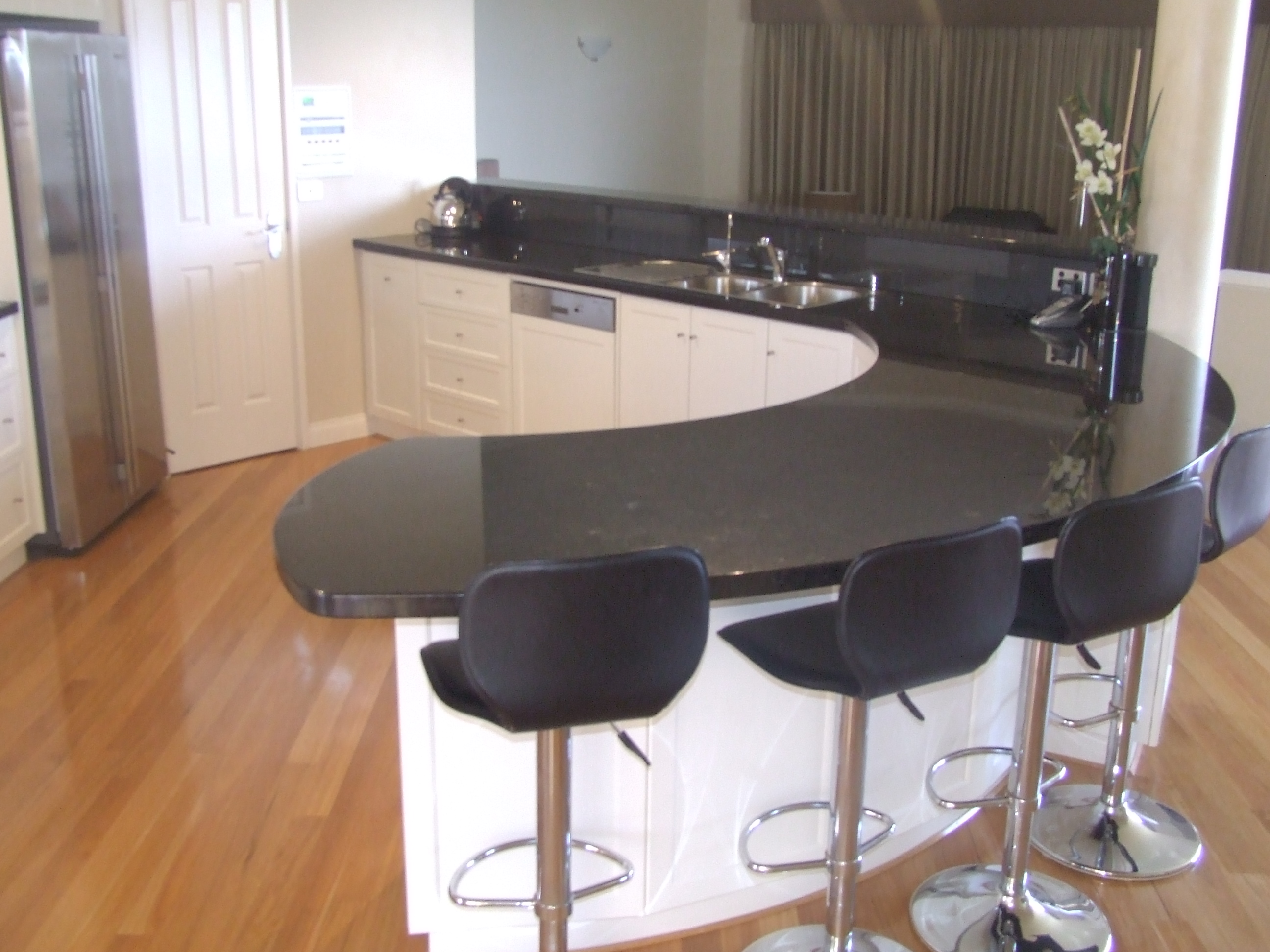 Granite stone benchtops perth marble dining tables for Stone top dining tables perth